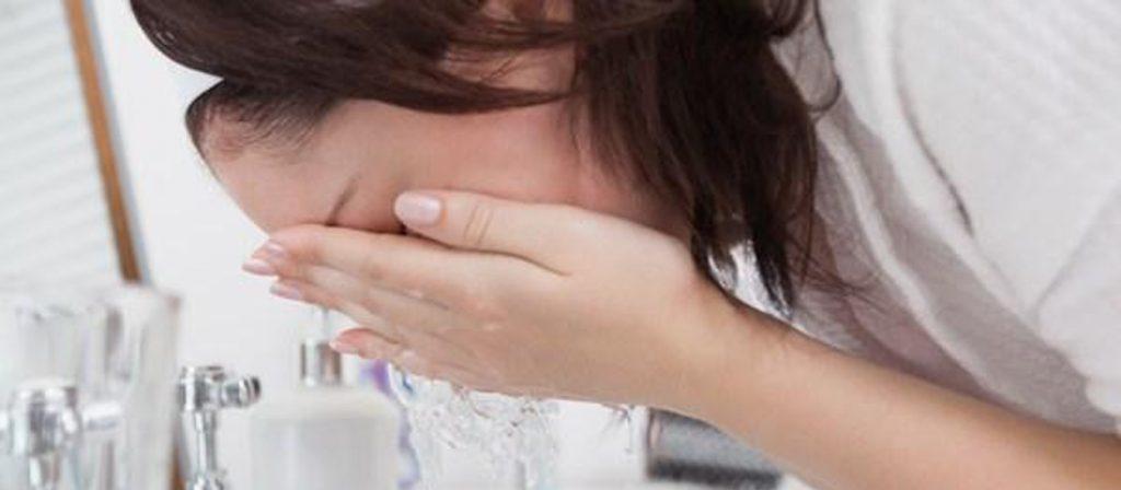 هر چند وقت یکبار باید صورتمان را بشوییم؟